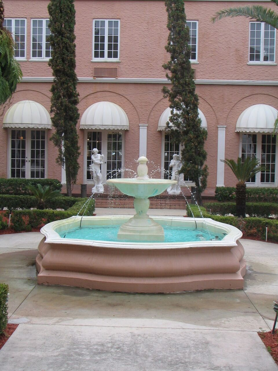 Courtyard Fountain Close up_preview